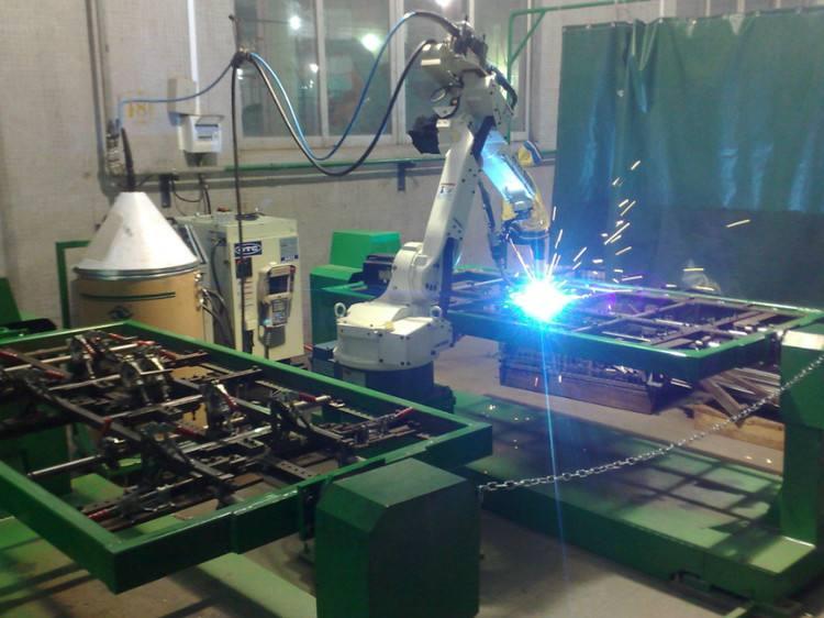 配备了机器人焊接中心和智能装配线,开启了智能化生产系统的新时代。